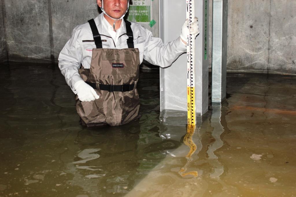 立体駐車場が漏水で水没し使用出来ない